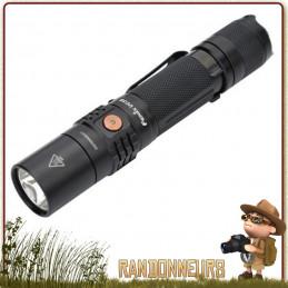 Lampe torche puissante, la FENIX UC35 donne 1000 lumens sur près de 266 mètres, sur batterie 18650